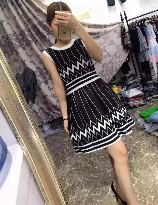 左左时尚馆 2015夏 新款 女士 连衣裙 黑色 无袖
