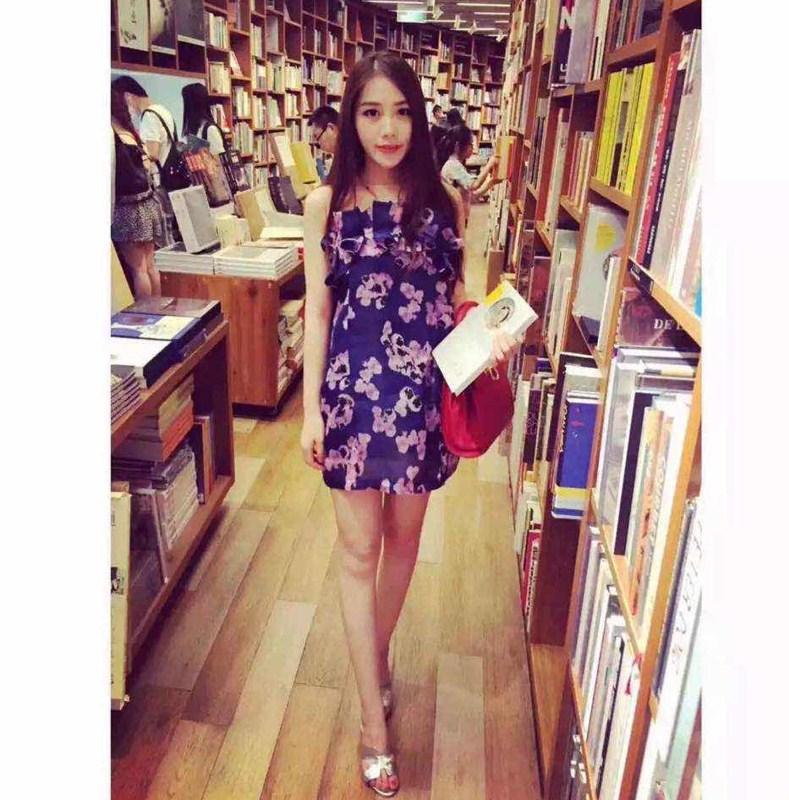 左左2015夏新款 女士 蓝色 印花连衣裙
